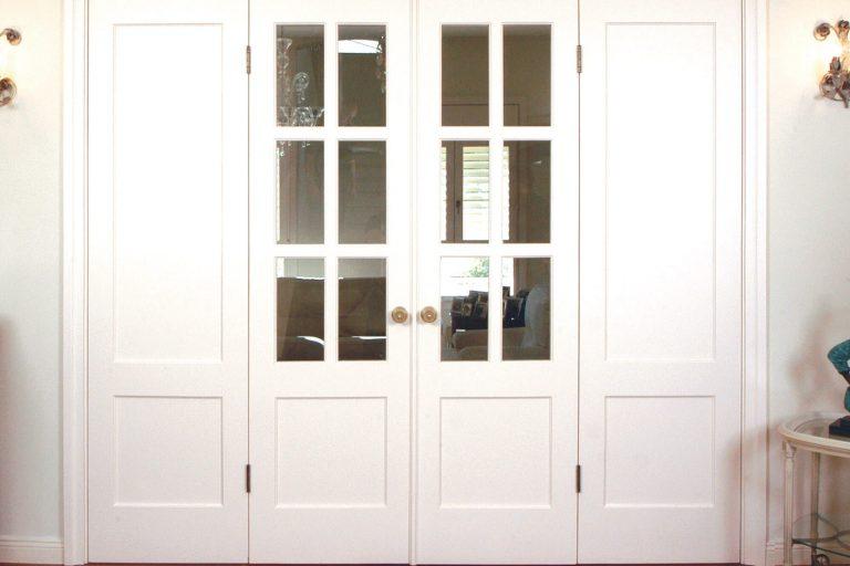 דלת פנים כפולה לבנה