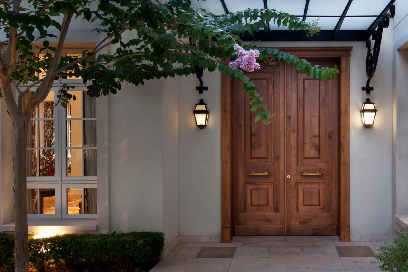 דלת זוגית חומה