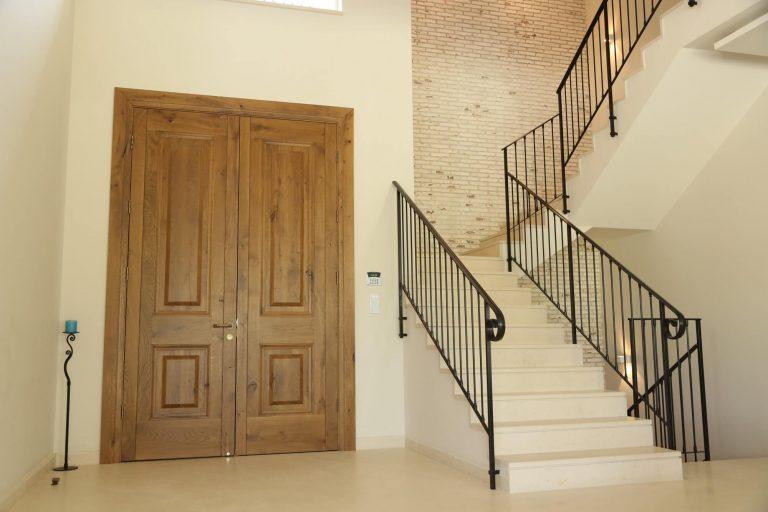 דלת כניסה מעוצבת