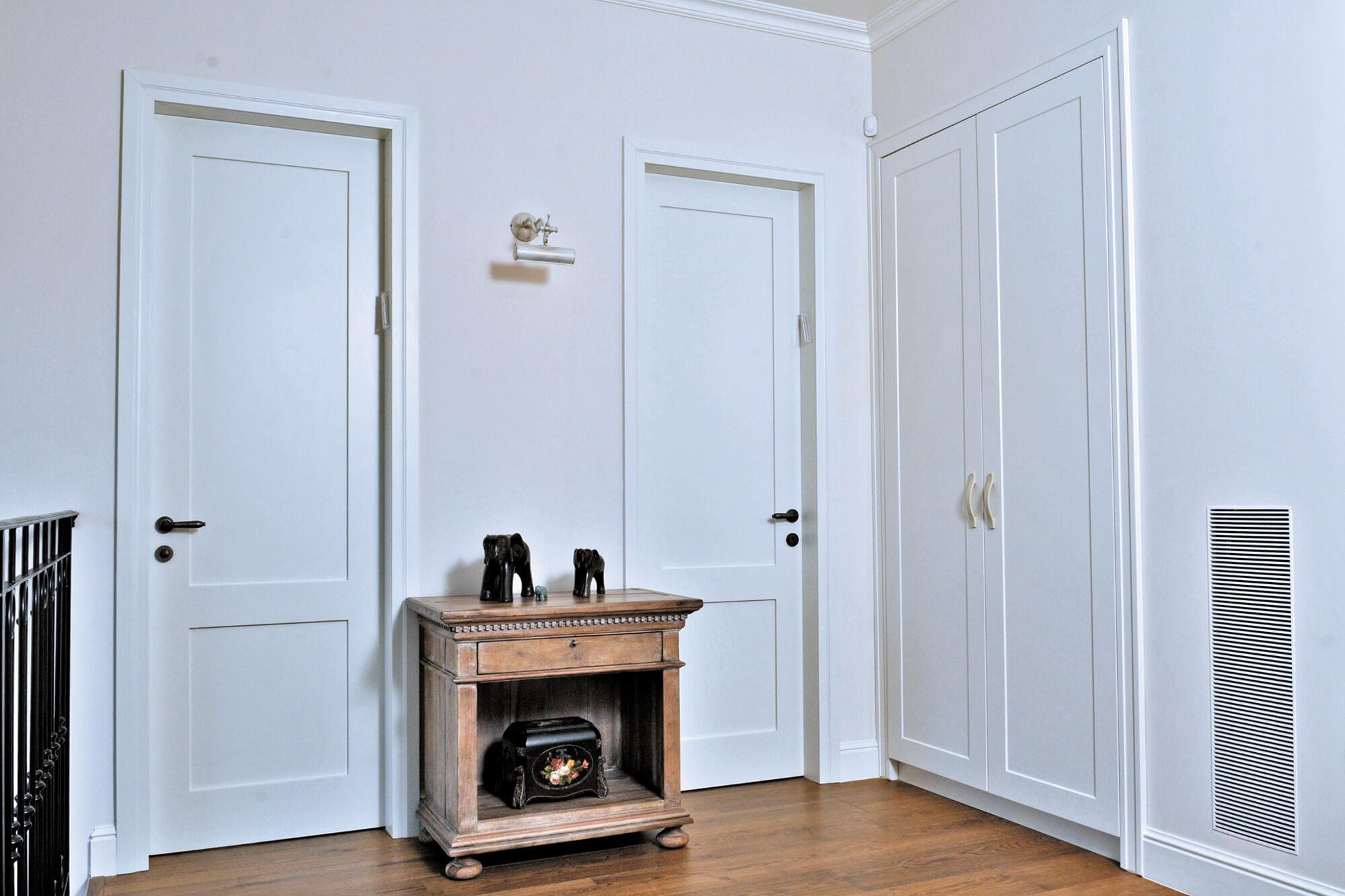 החומר, העיצוב או שניהם: מה משפיע על מחירי הדלתות שאנחנו בוחרים לבית?