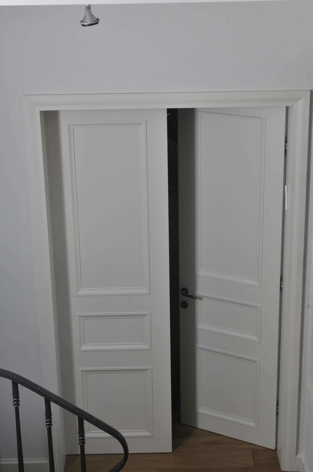 דלת פנים כפולה