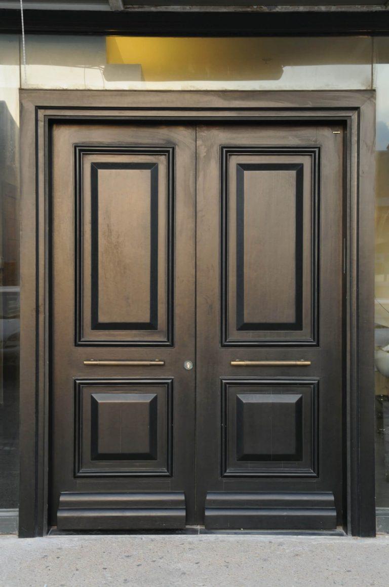 דלת כניסה צבע שחור פחם