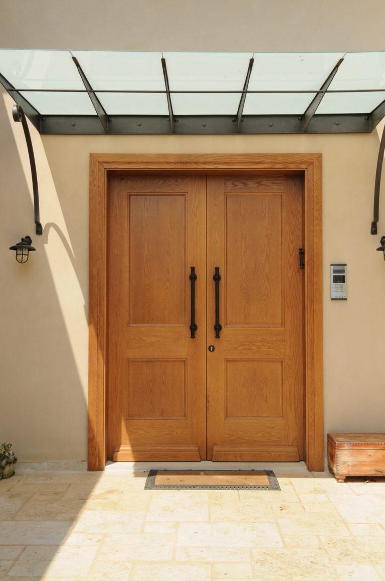 דלת כניסה כפולה