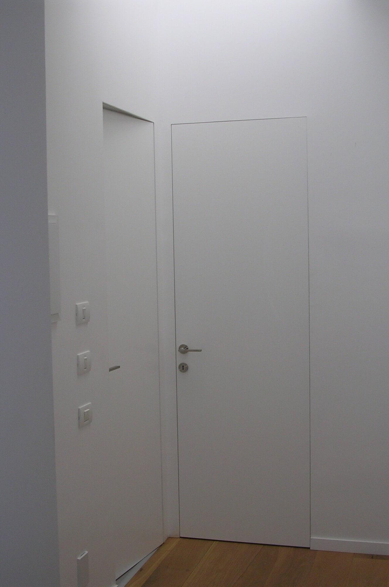 דלתות משקוף סמוי