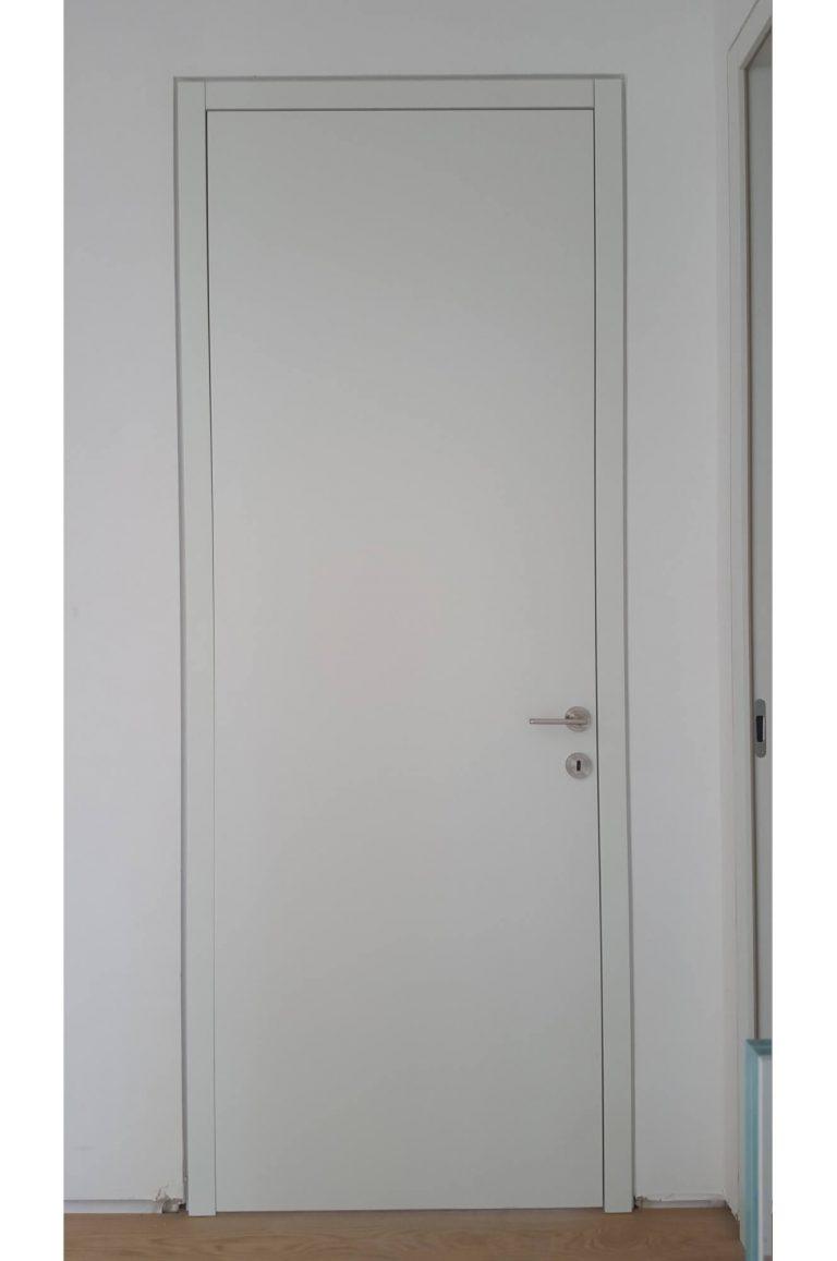 דלת חלקה