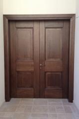 דלת כניסה חומה זוגית