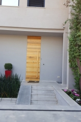 דלת כניסה משקוף סמוי