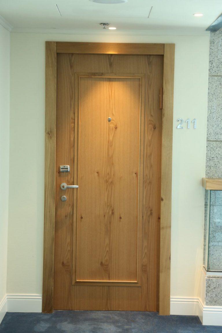 דלת פנים אלון