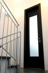 דלת פנים שחורה