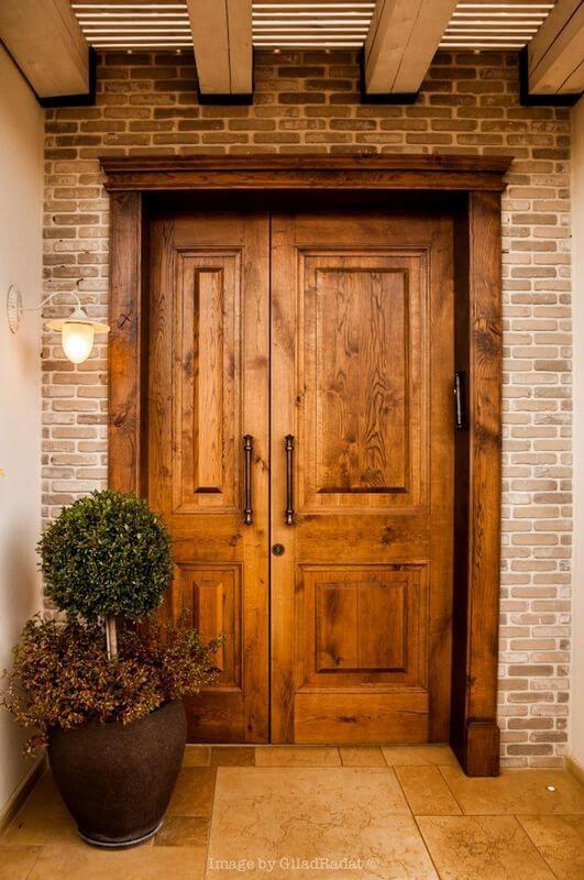 דלת כניסה חצי כנף
